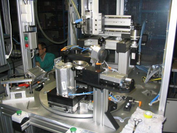 Urządzenie specjalne dla zaawansowanych procesów produkcyjnych